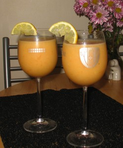 pineapple and banana enzyme smoothies